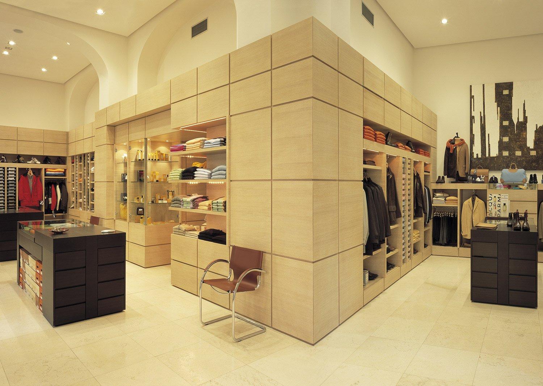 Arredamento negozi abbigliamento andriani taranto puglia for Negozi di arredamento taranto