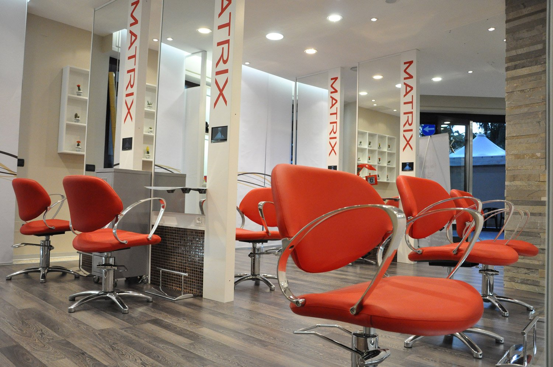 Arredamento parrucchieri beaute bari puglia for Negozi di arredamento bari