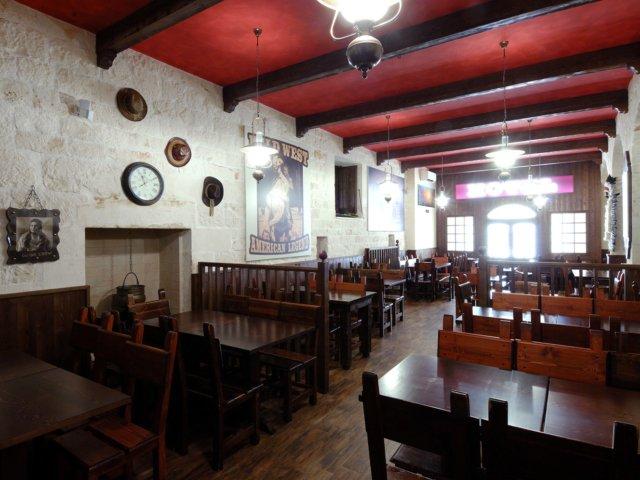 Bar Pub Elpaso Progetto Arredamenti Su Misura Illuminazione