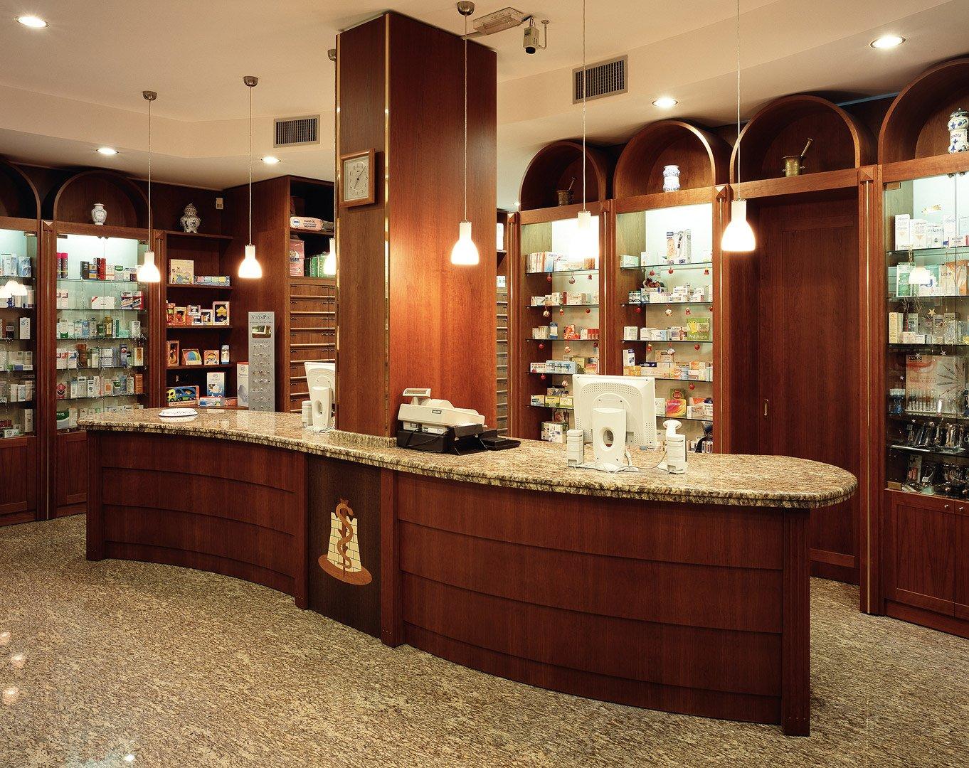 Progettazione arredamento farmacia la rocca cassano for Arredamenti per farmacie