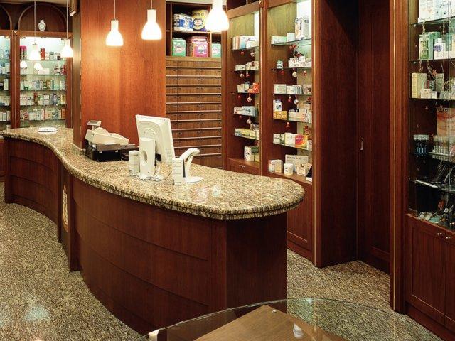 Farmacia La Rocca Progetto Arredamenti Su Misura Illuminazione