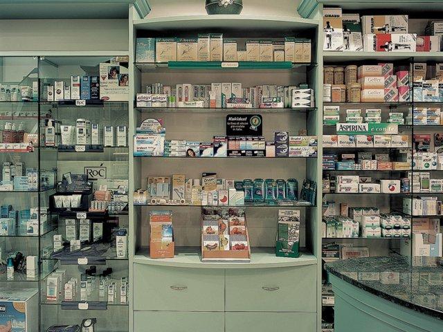 Farmacia Trione Arredo Chiavi In Mano Armadietti