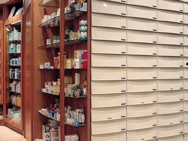 Farmacia Nati Progetto Arredamenti Su Misura Cassettiere