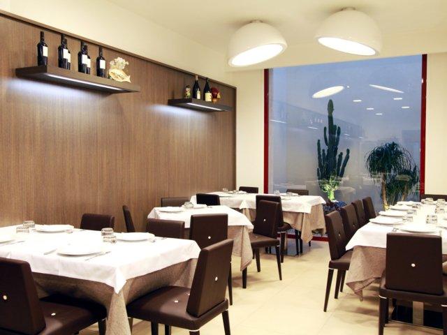 Bar Giando Allestimenti Arredamenti Tavoli