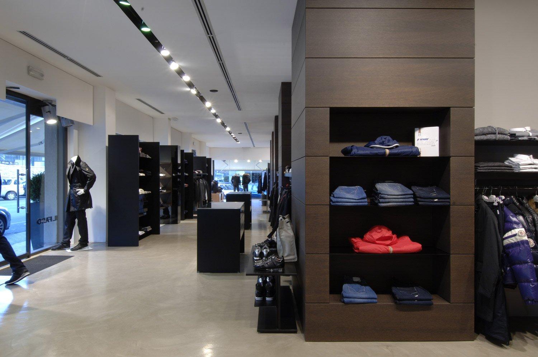 Arredamento negozi abbigliamento il faro avellino campania for Arredamenti avellino