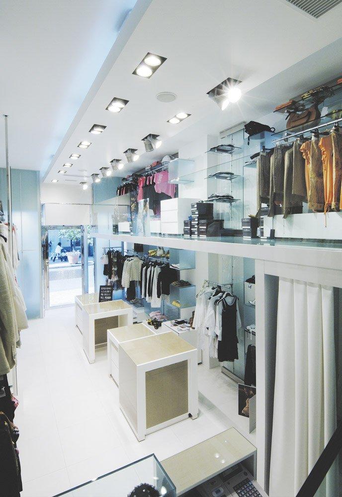 Arredamento negozi abbigliamento macotex taranto puglia for Arredamento taranto