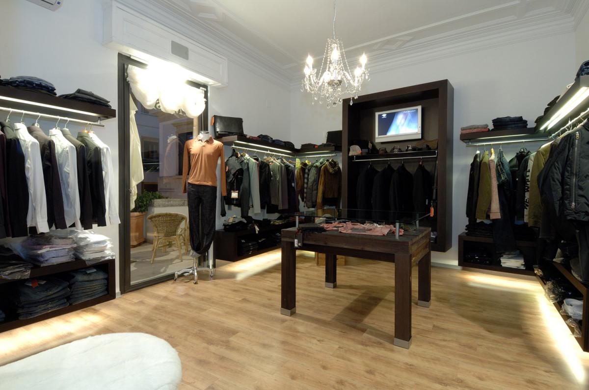 arredamento negozi abbigliamento must martina franca puglia