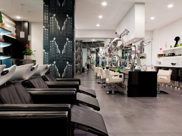 Arredamento parrucchieri suite acconciatori mimi colonna for Forum arredamento galleria fotografica