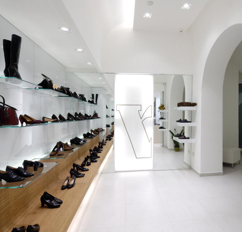 arredamento negozio calzature valleverde taranto puglia