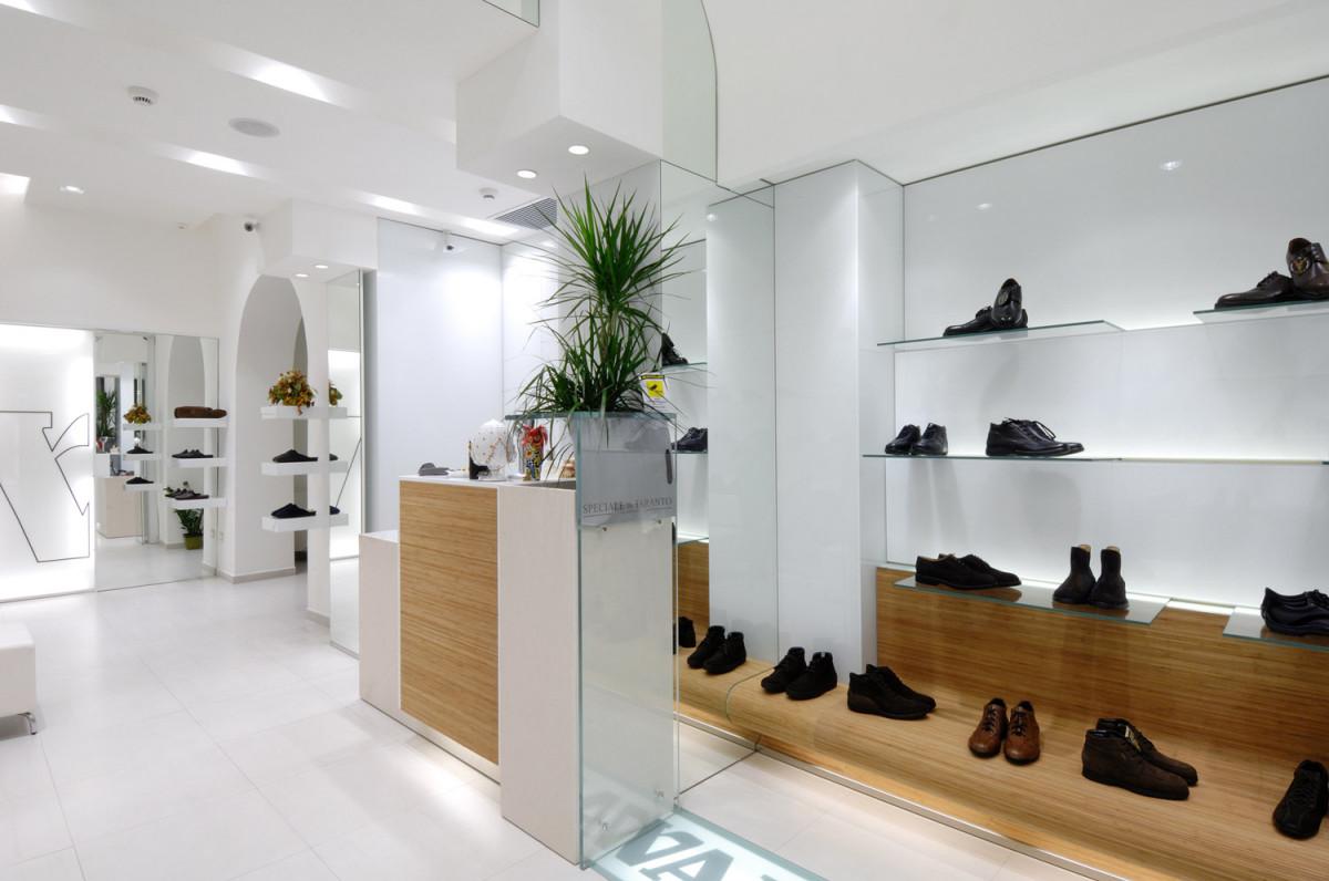 Valleverde calzature tutte le offerte cascare a fagiolo for Subito taranto arredamento
