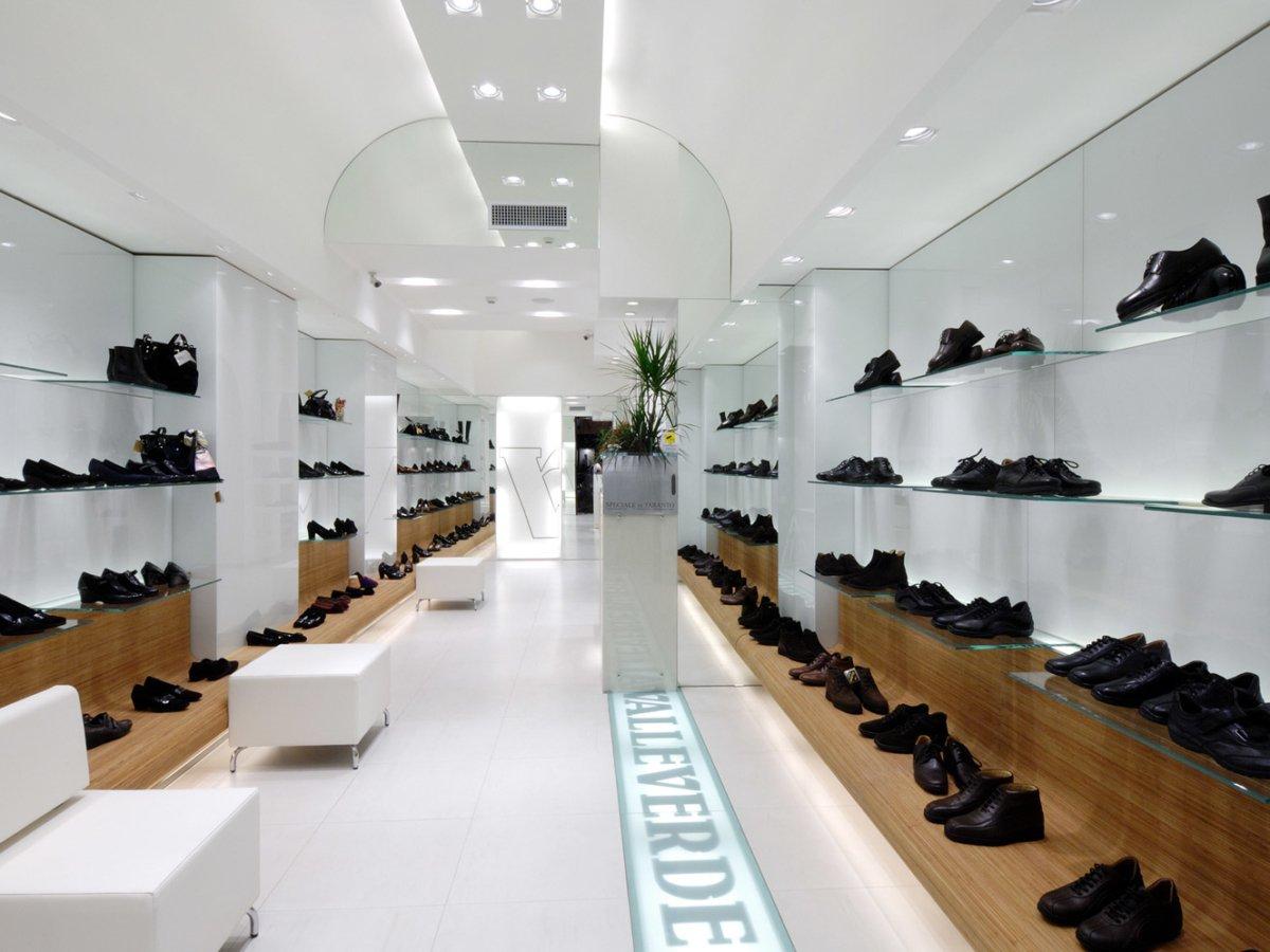 Arredamento negozio calzature valleverde taranto puglia for Negozi design