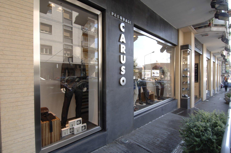 Arredamento Negozi Abbigliamento Caruso Napoli Campania