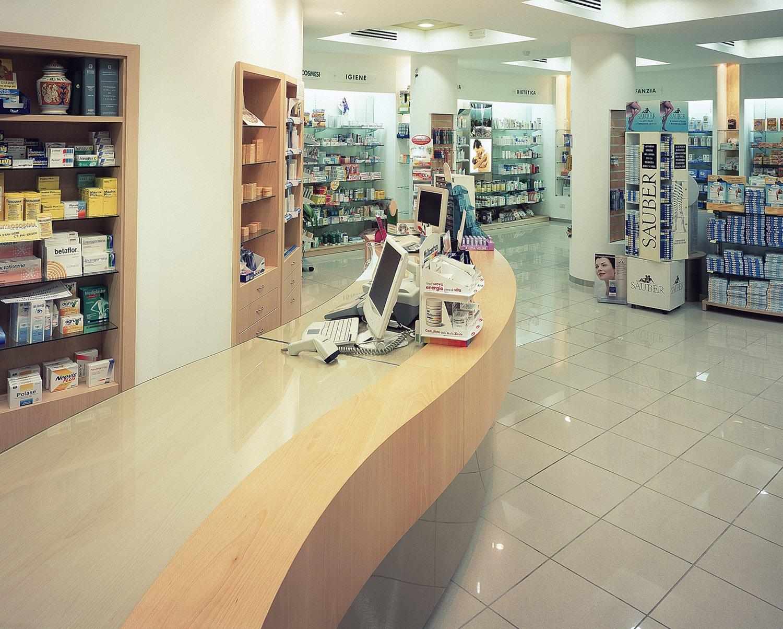 Progettazione arredamento farmacia ciccarone taranto for Arredamento taranto