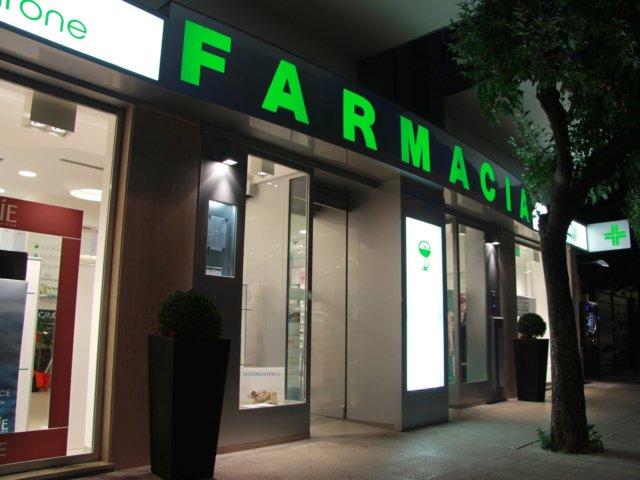 Farmacia Ciccarone Arredo Chiavi In Mano Vetrina