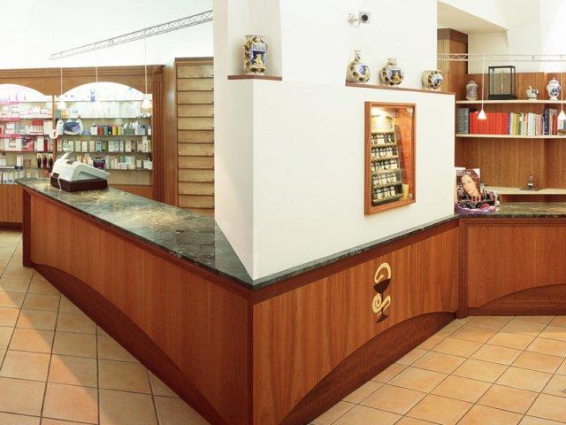 Farmacia Dinoi Progetto Arredamenti Su Misura Bancone