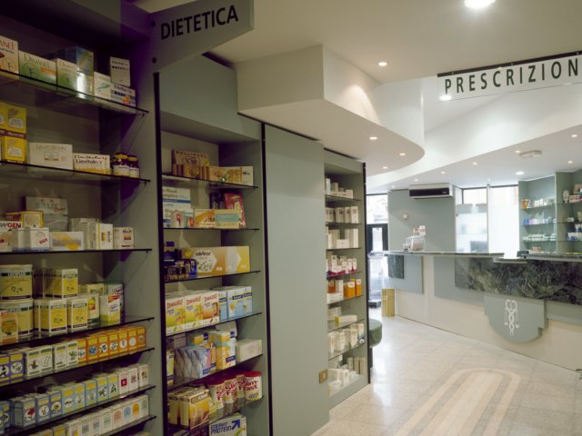 Farmacia Misasi Progetto Arredamenti Su Misura Scaffali