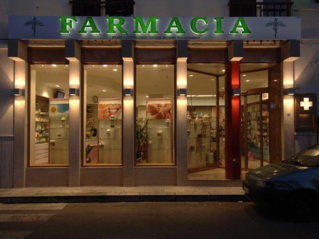 Farmacia Moscogiuri Progetto Arredamenti Su Misura Insegna
