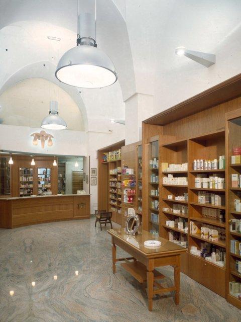 Farmacia Pistone Progetto Arredamenti Su Misura Armadi