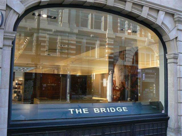 Progetto The Bridge Londra Allestimenti Su Misura Allestito Esterni