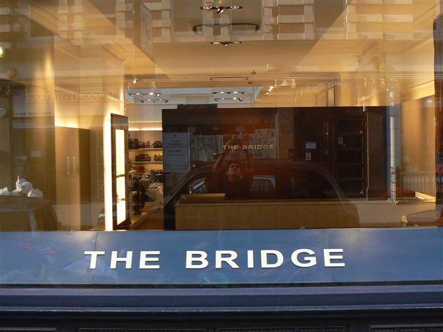 Progetto The Bridge Londra Allestimenti Su Misura Allestito Esterno